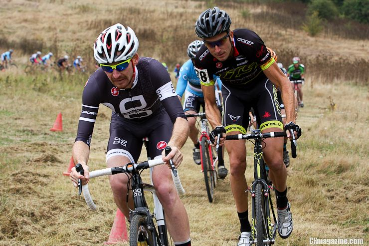 Aaron Tuckerman leads Ryan Trebon early in the men\'s race. ©Pat Malach