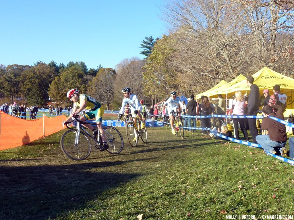 Cycle-Smart riders take the barriers © Cyclocross Magazine