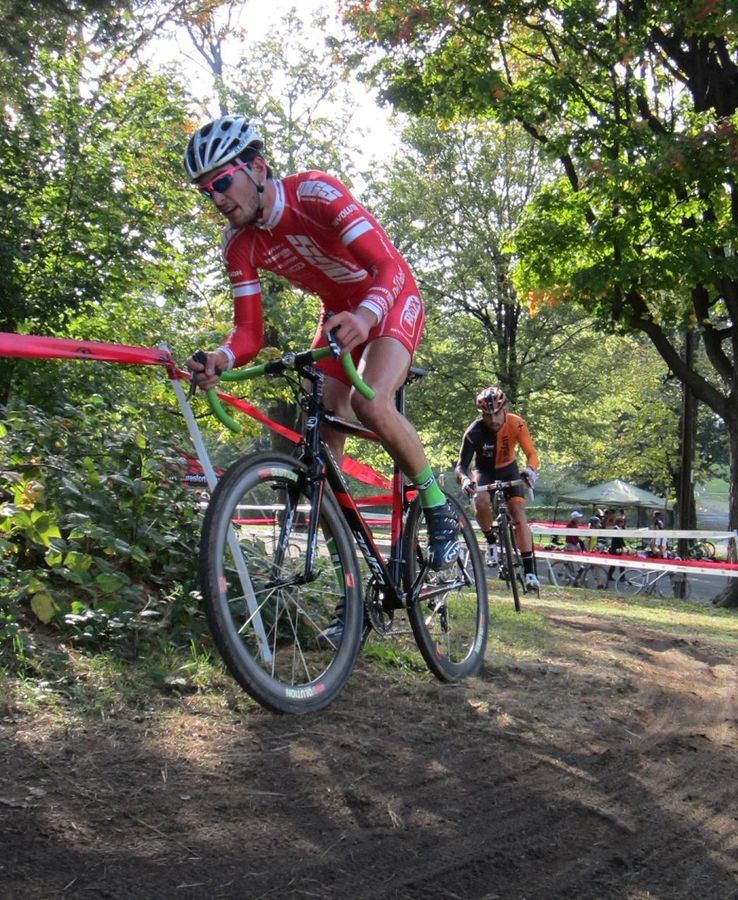 Nieters bridges up to the solo Winterberg ©Keith Hower
