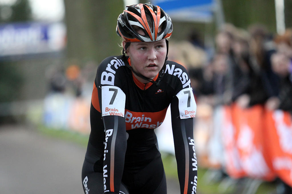 Evy Kuijpers the topfavorite for the women\'s youth races finishes in second