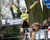 Mathieu van der Poel posts up the victory ©Bart Hazen