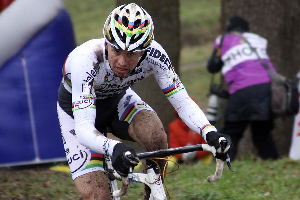 Phillipp Walsleben tries to breathe through the mud in the air. © Bart Hazen