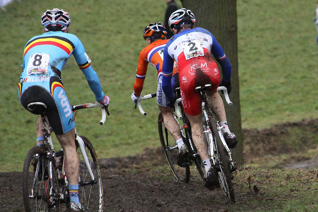 Lars van der Haar leads Mathieu Boulo and Vinnie Braet. © Bart Hazen