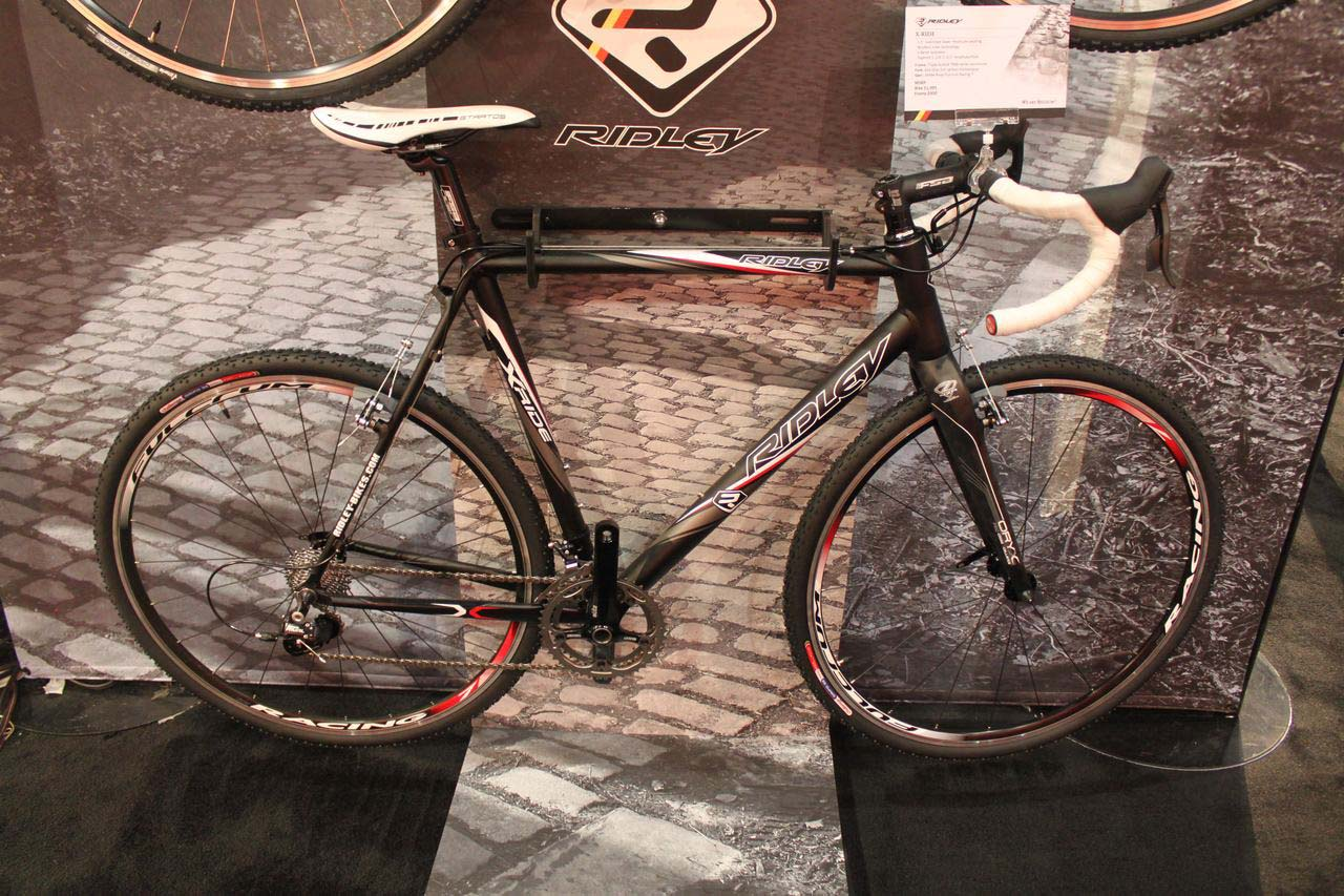 2011 Ridley X-Ride features a tapered steerer and Shimano 105 components. © Cyclocross Magazine
