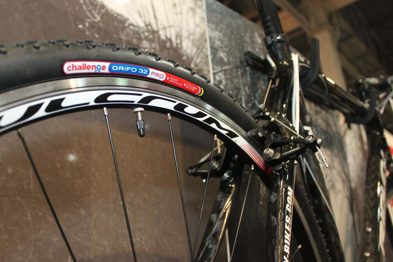 The X-Fire comes standard with Challenge Grifos. © Cyclocross Magazine