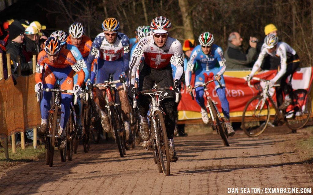 The race leaders near the beginning of the second lap ©Dan Seaton