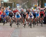 The Elite Women starting at Centrumcross © Thomas van Bracht