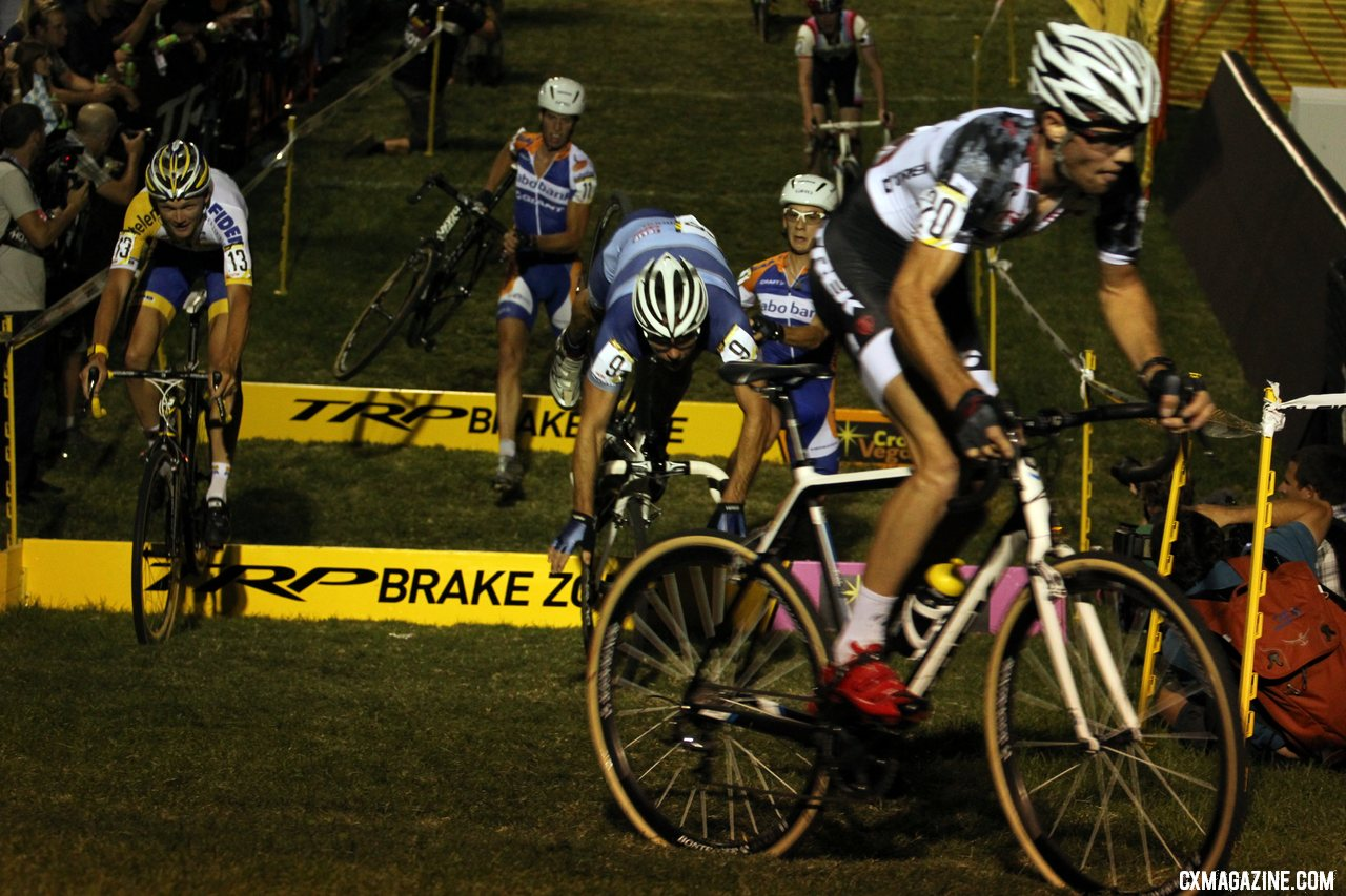 Jonathan Page\'s one, costly mistake. CrossVegas 2012. ©Thomas van Bracht / Cyclocross Magazine