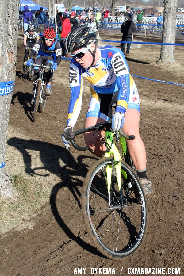 Missy Erickson Leads A Group Into the Shortened Sand Pit ©Amy Dykema