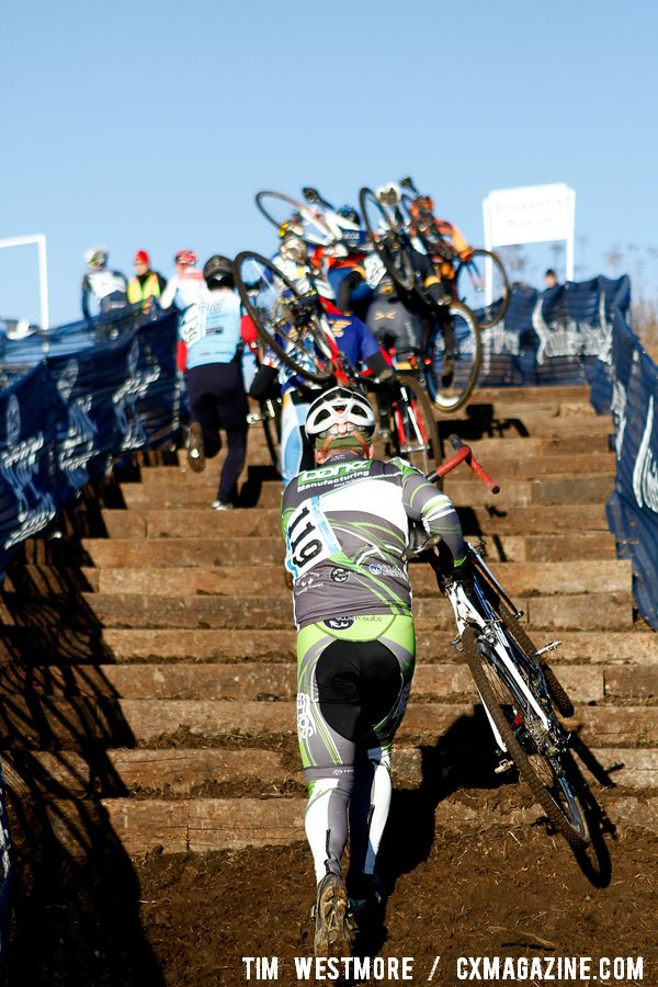 The run-up forced even the best bike handlers off their bikes and spread out the field. © Tim Westmore