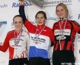 The podium with the beginners (girls) (From L. to R.): Lindy van Anrooij, Yara Kastelijn and Esmee Oosterman.
