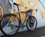 Enve 29'er tubeless rims with Stan's Ravens 35mm tires provide a wide contact patch. Photo courtesy