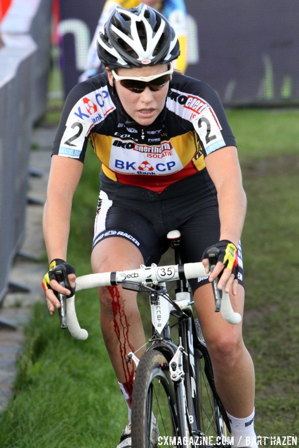 Sanne Cant did her best to chase down Harris © Bart Hazen