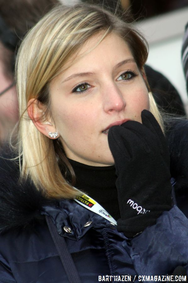 Chantal Lippens, girlfriend of Niels Albert is nail biting with one lap to go. © Bart Hazen