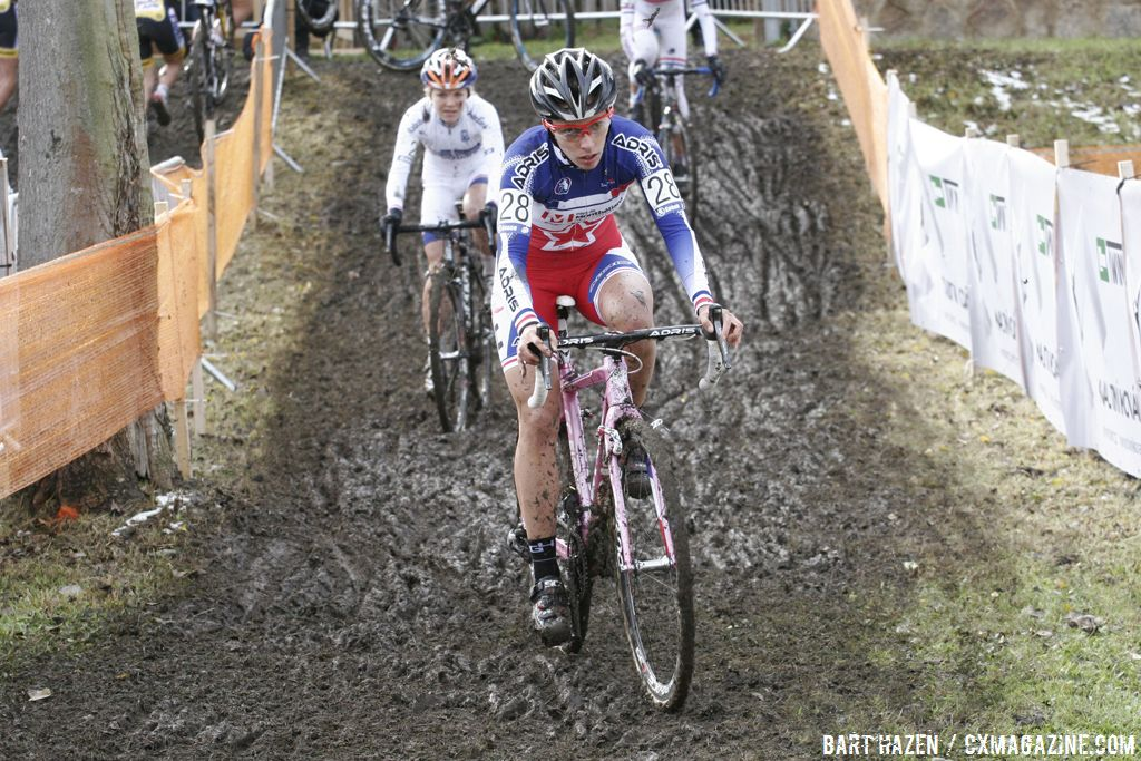 Lucie Chainel-Lefevre lead the early race © Bart Hazen