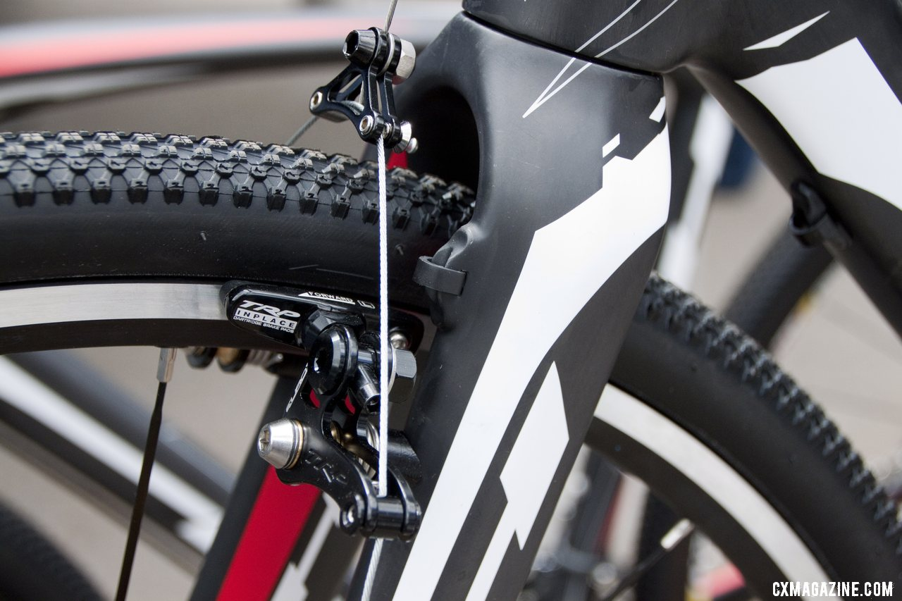 A tapered steerer carbon fork that can do cantilevers or disc brakes. © Cyclocross Magazine