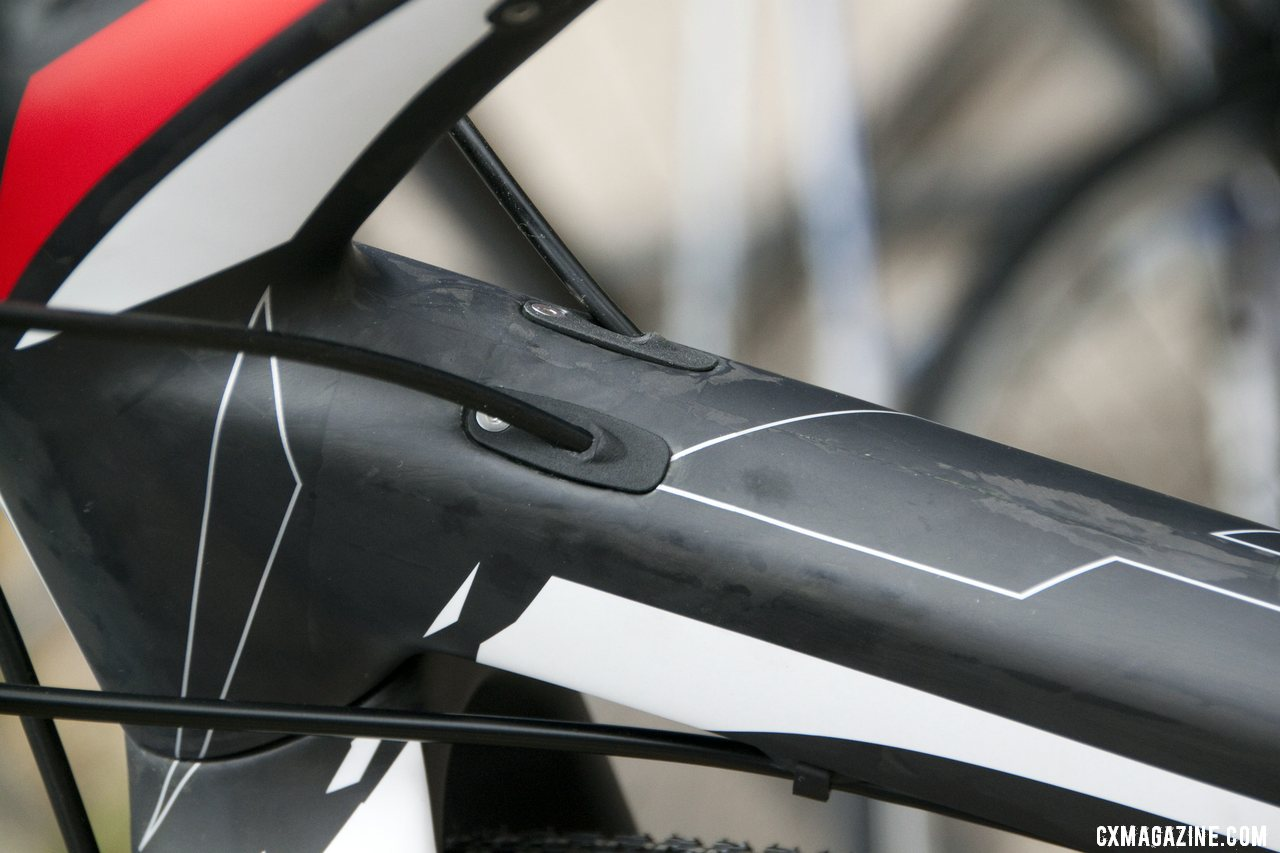 Internal cables or wires on the 2013 BH Bikes RX Team Disc carbon cyclocross bike. © Cyclocross Magazine