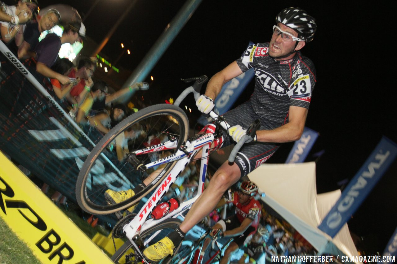 Troy Wells heads over the barriers at Cross Vegas 2013. © Nathan Hofferber / Cyclocross Magazine