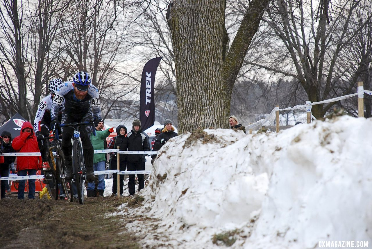 Robert Marion led early, with Kevin Bradford Parish in tow. Masters 30-34.  © Cyclocross Magazine