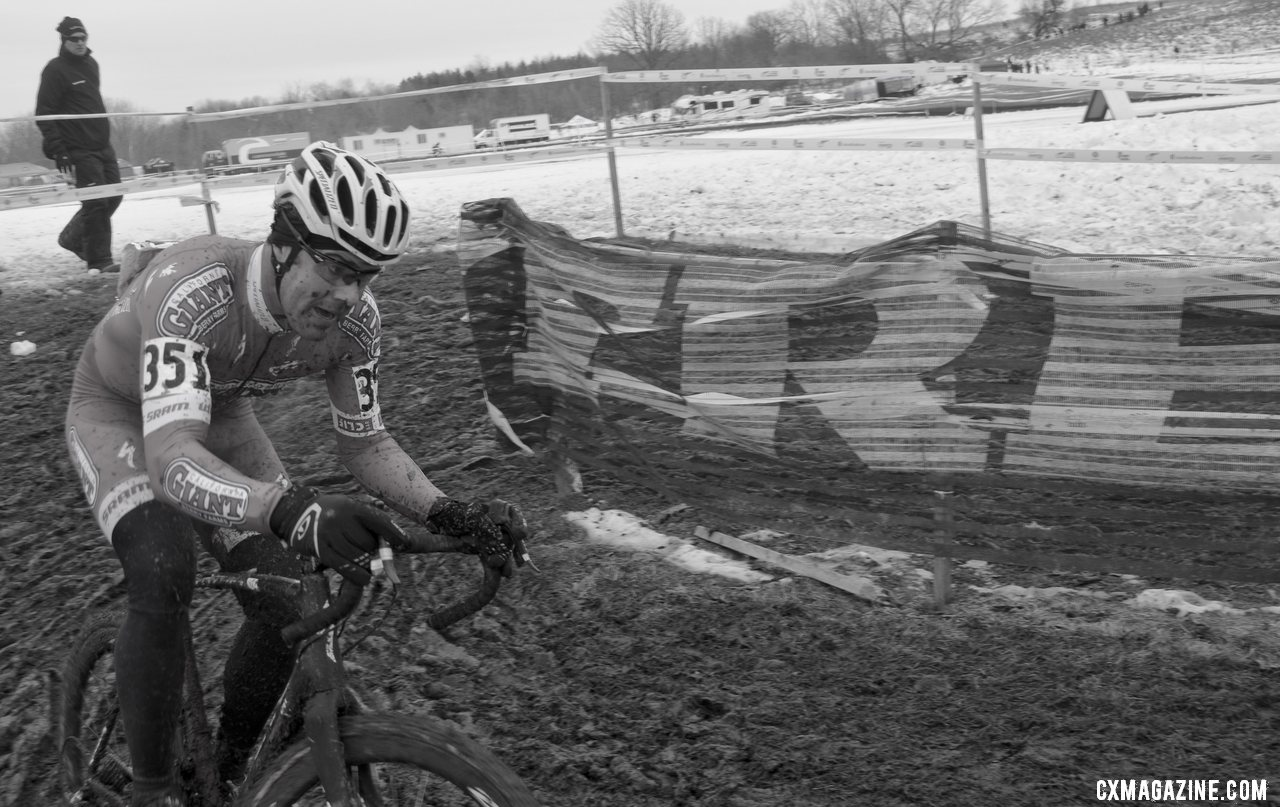 Justin Robinson, former Worlds team member, closed fast for a 2nd place. Masters 35-39, 2013 Cyclocross Nationals.© Cyclocross Magazine