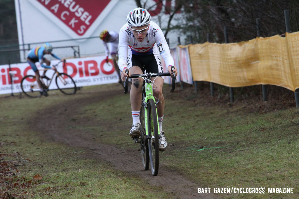 Adam Toupalik leading the Junior\'s race. © Bart Hazen / Cyclocross Magazine