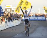 Niels Albert (BKCP-Powerplus) crossing the line for the win. © Thomas van Bracht