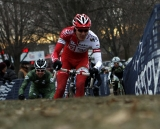Kapius takes the holeshot in the singlespeed race. © Tim Westmore