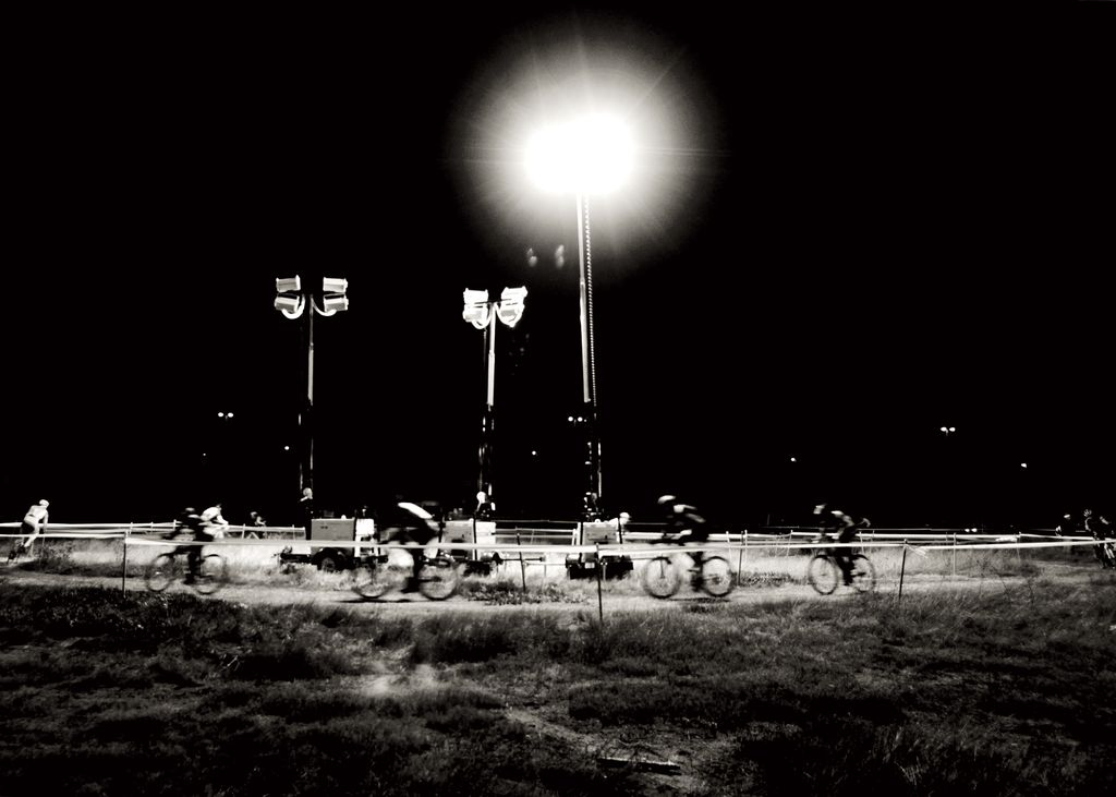 3 of the 16 construction lights illuminating the course at BASP #3 on Nov. 10.Bay Area Cyclocross © Vantage Velo