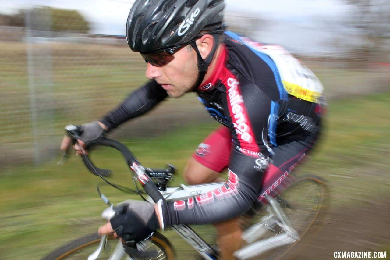 Former roadie pro Eric Wholberg has adapted well to cyclocross. Bay Area Super Prestige 2010, Coyote Point Finals, 12/5/2010. ©