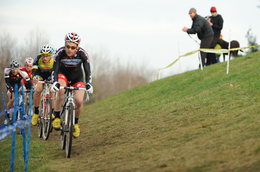 Lindine leads on the off-camber. © Natalia Boltukhova | Pedal Power Photography | 2011