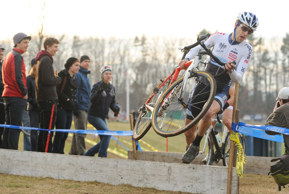 Durrin runs the barriers while Gagne hops them behind © Natalia Boltukhova | Pedal Power Photography | 2011