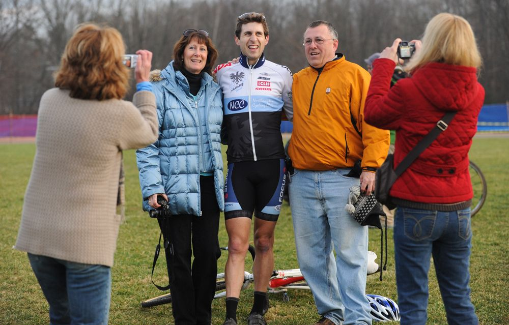 Durrin with his parents © Natalia Boltukhova | Pedal Power Photography | 2011