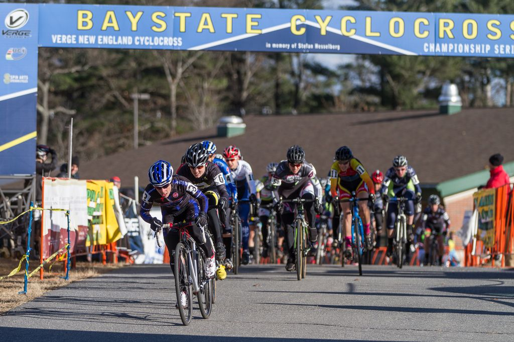 The Elite Women hit the course, with Arley Kemmerer in the lead. © Todd Prekaski