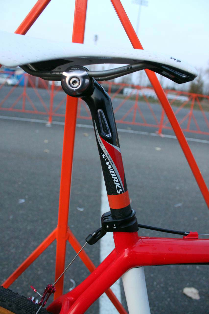 Specialized provides many carbon parts to complete the S-Works Tricross. ? Cyclocross Magazine