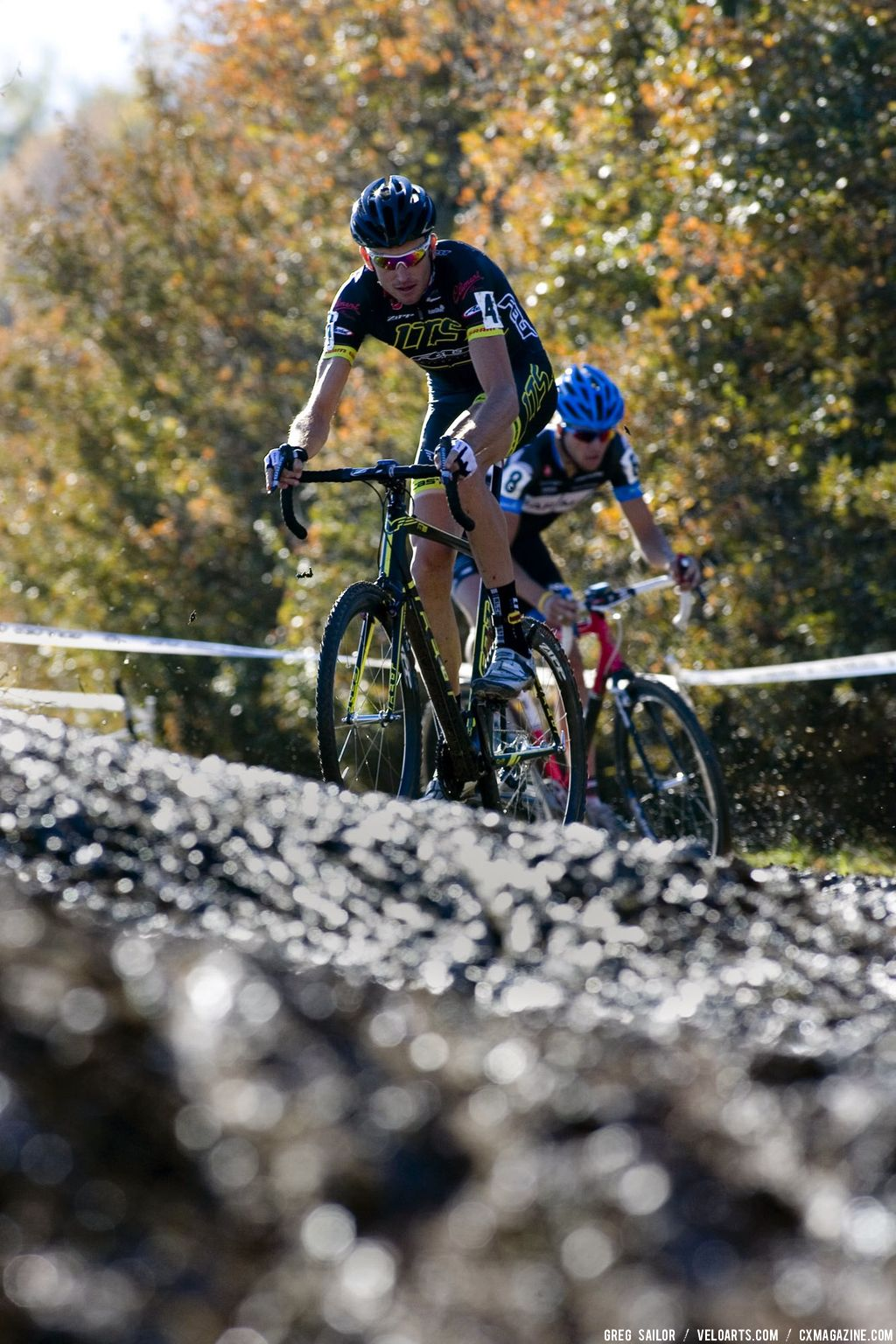 LTS Felt rider Ryon Trebon, #4, comes upon a hill of mud during the Men\'s Elite race. © Greg Sailor - VeloArts.com