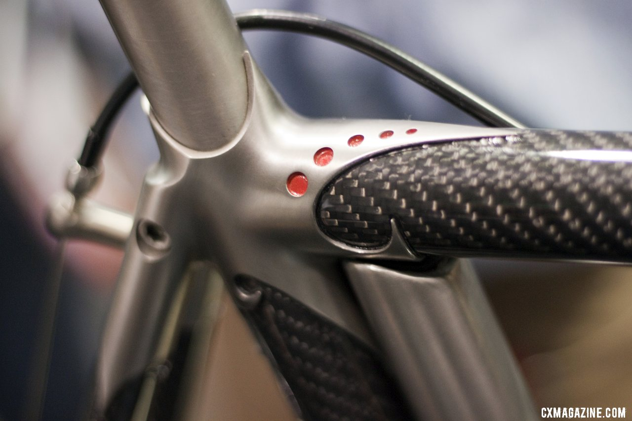 Titanium lugs and carbon tubes create