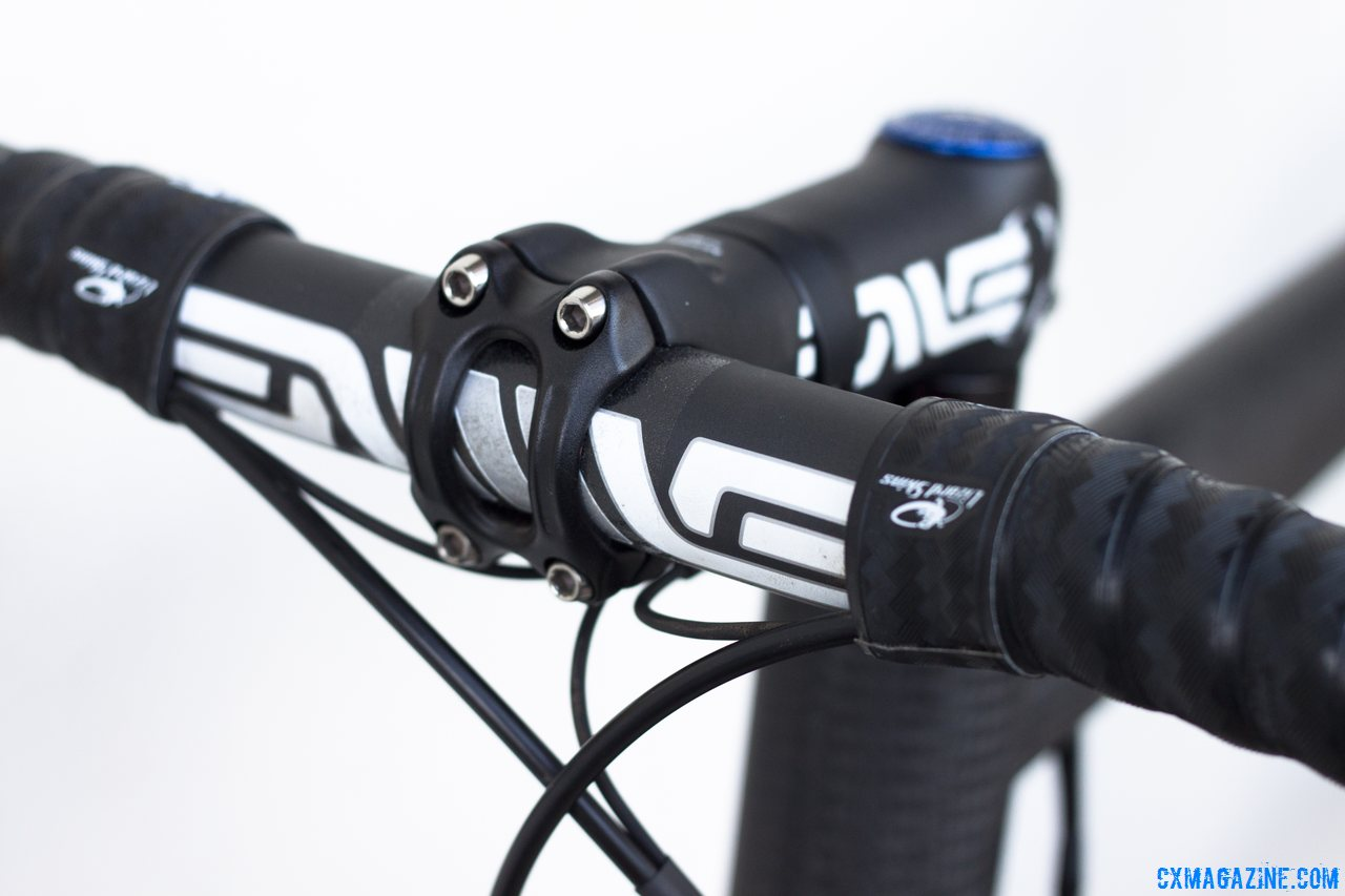 Lots of carbon: ENVE supplied the cockpit for the Calfee Manta CX Prototype NAHBS show bike. © Cyclocross Magazine
