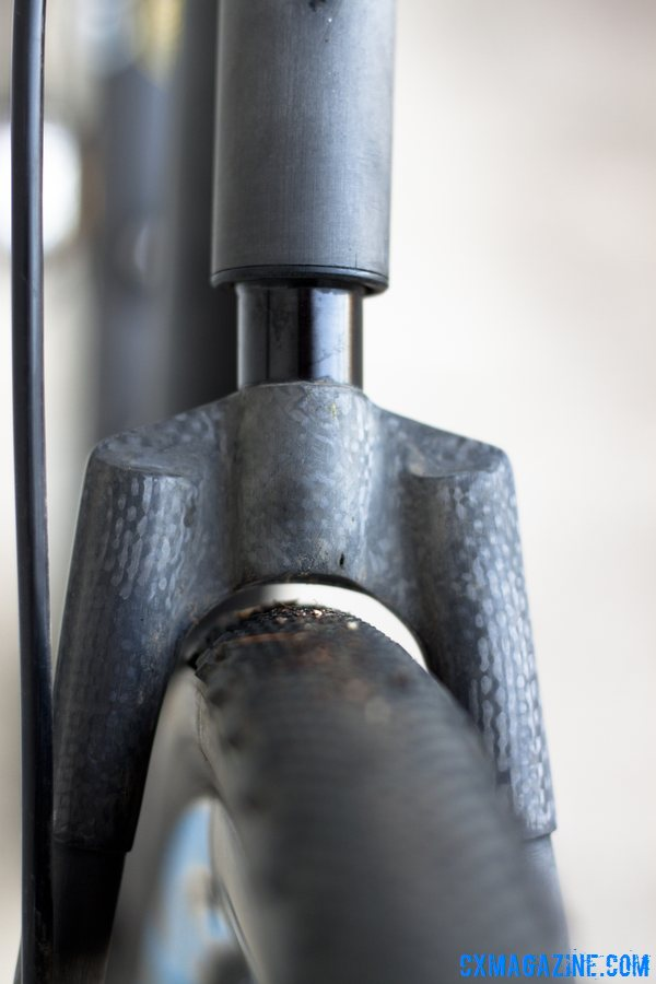 1.2 cm of sprung travel, but tight clearance. This prototype had a road wishbone but a higher-clearance cx one will be coming. Calfee Manta CX Prototype. © Cyclocross Magazine