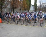 Women's race ready to roll © Norm Thibault