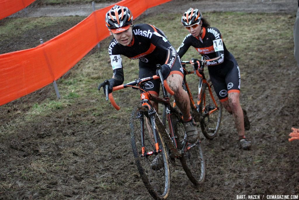 Sanne van Paassen and Sabrina Stultiens at Cauberg Cyclocross. © Bart Hazen