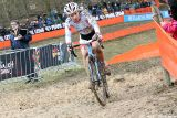 Lotte Eikelenboom at Cauberg Cyclocross. © Bart Hazen