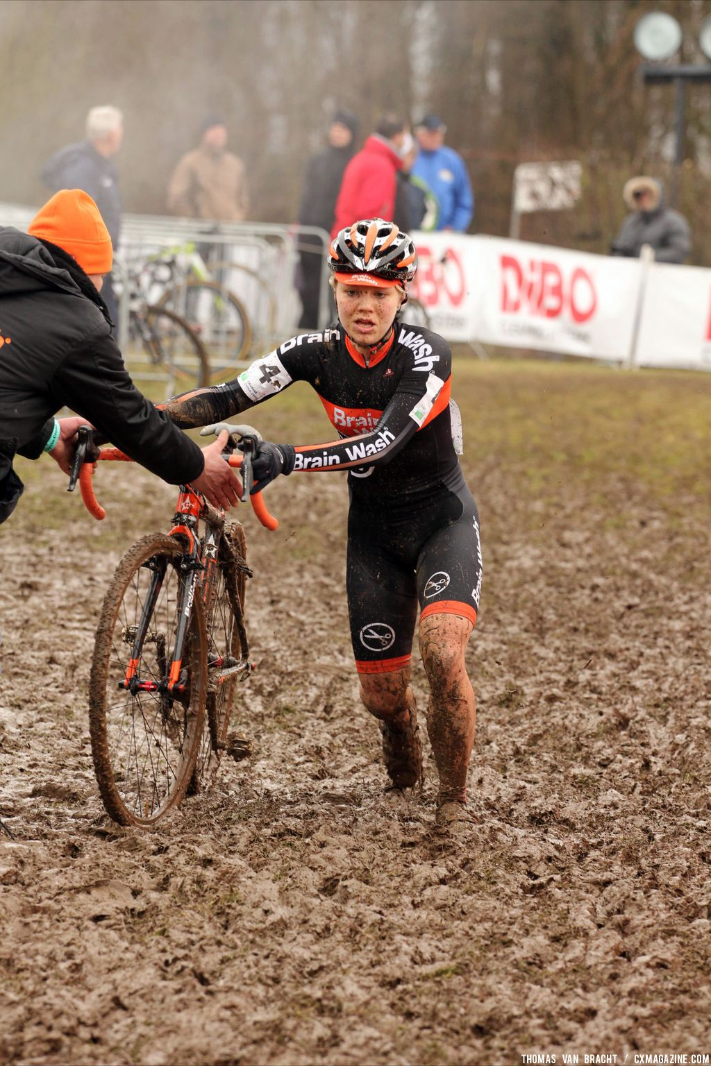 Elite women at Cauberg Cyclocross. © Thomas Van Bracht