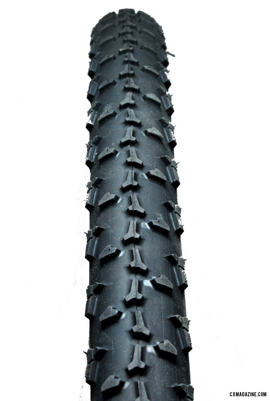 The Limus shares some similarities with the Clement PDX Crusade cyclocross clincher tire pictured here. © Cyclocross Magazine