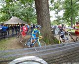 Travis Livermon comes around the tree barrier. Running around the tree barriers.  © Cyclocross Magazine