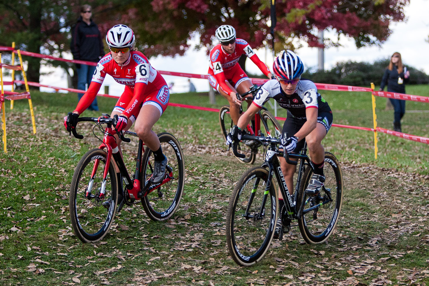 The chase group from right to left, Antonneau, Miller and Anderson. © Kent Baumgardt