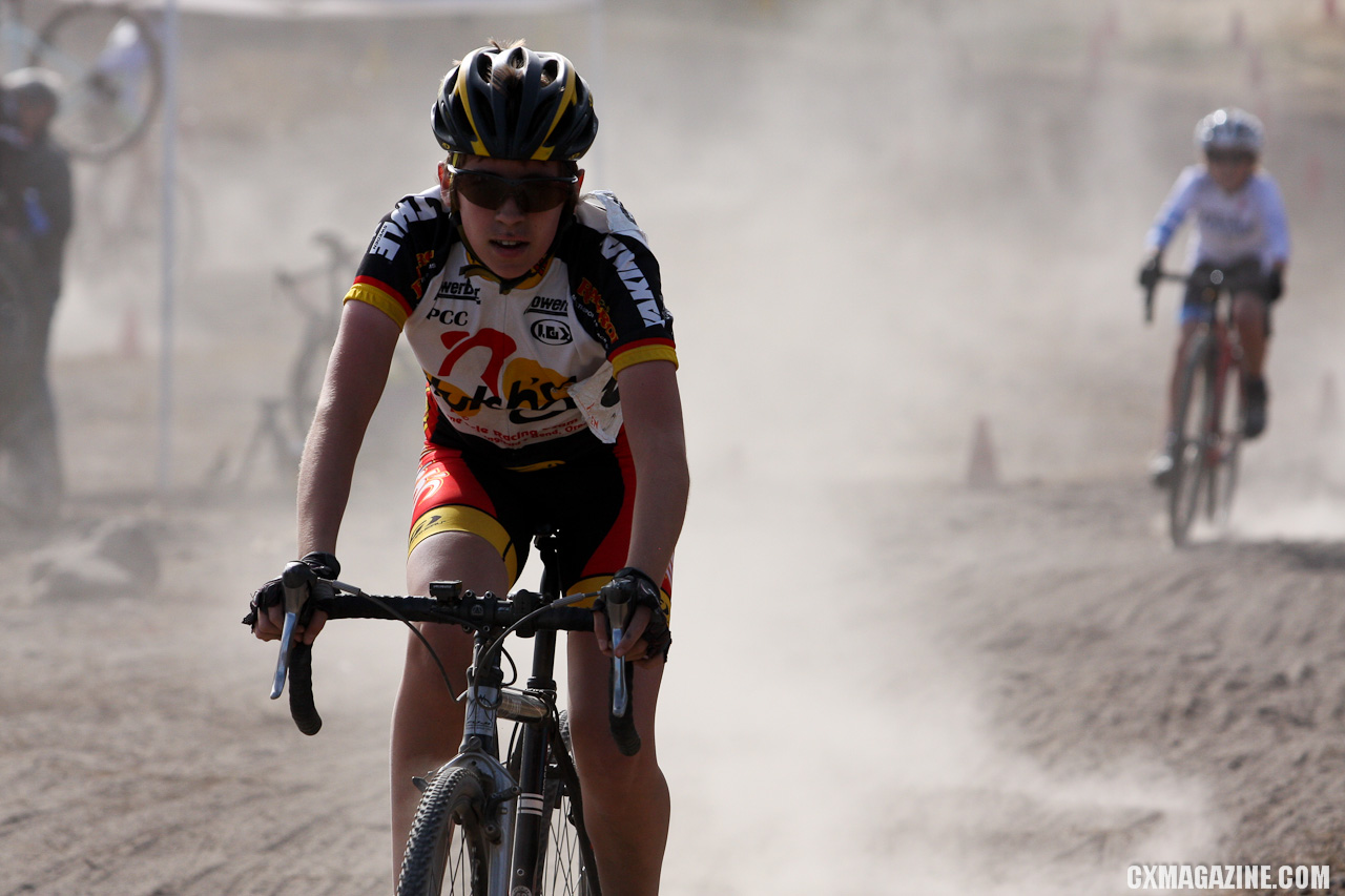 Dust was the big factor during all of Saturday\'s races. ©Pat Malach