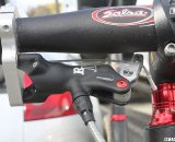 The R1 master cylinder mounted parallel to the handlebar. © Cyclocross Magazine