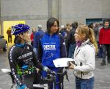 Christine talking with Reza Hormes-Ravenstijn and Daphny Van den Brand before the race.  © Jonas Bruffaerts
