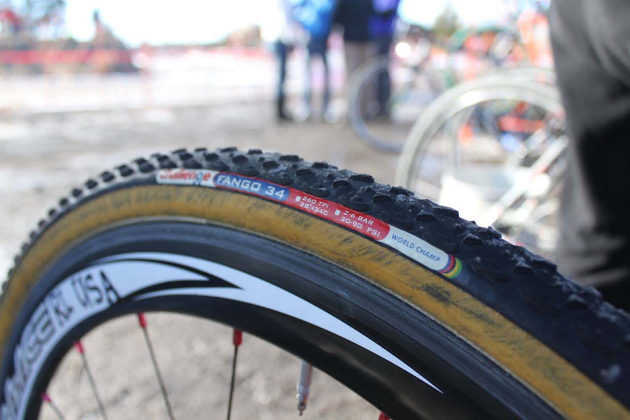 Redline's Kristi Berg had Challenge Fango 34s on her bike. ? Cyclocross Magazine