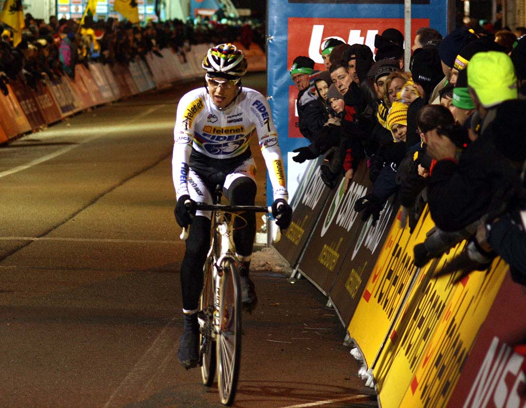 Stybar on his way to third place ©Dan Seaton